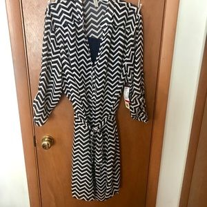 NWT Navy & Cream Lined 3/4 Sleeve Shirt Dress